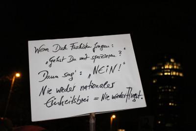 Doch auch die Gegendemonstranten gaben sich mit ihren Sprüchen alle Mühe.