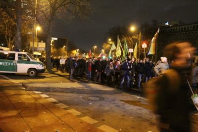 Durch Fahnen und Bannern machten die vielen anwesenden Gruppen auf sich aufmerksam.