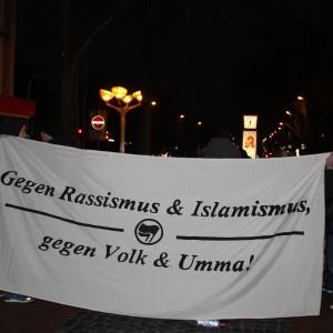 """Transparent bei der Demonstration der """"Initiative gegen Duisburger Zustände""""."""