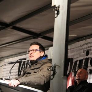 Michael Rubinstein sprach auf der DGB-Demo über Antisemitsmus.