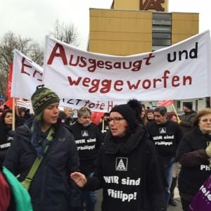 Auf der gestrigen Kundgebung gegen die Schließung der Firma (Foto: Christine Buchholz)