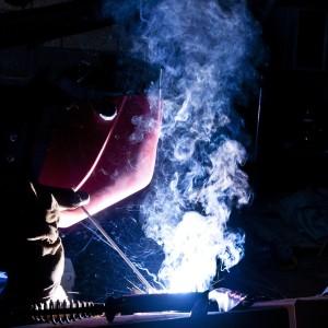 pixabay bau, arbeitnehmer, fackel, schneiden, standort, gebäude, arbeit, ausrüstung, arbeiten, bauarbeiterhelm, helm, bauen, mann,