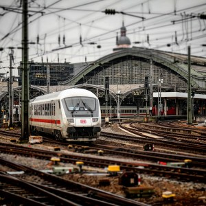 pixabay Bahnhof Gleis Köln Ehrenfeld Zug S-Bahn