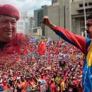 Präsident Maduro im Schatten des venezolanischen Volksidols Hugo Chávez, Foto: Entorno inteligente
