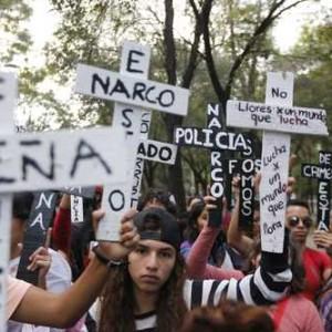 Demonstranten fordern Strafe für Staat und Kartelle, Foto: elclarin.cl