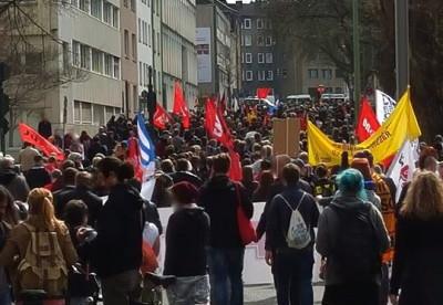 Bunte Demonstration gegen die NPD Essen