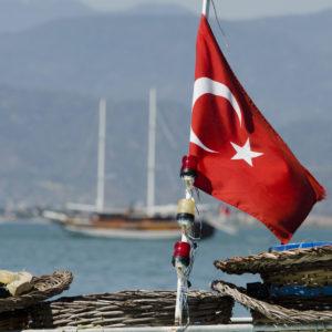 Die Frage nach der türkischen Identität - Foto: William John Gauthier, CC BY-SA 2.0, Turkish flag, via flickr.com