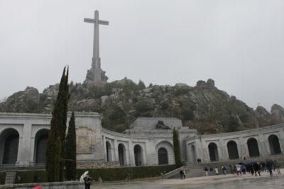 "das ""Tal der Gefallenen"" unweit Madrids. Foto: edgarholguin,Valle de los Caidos - ET (09-10) - 24, via flickr.com"
