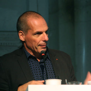 Yaris Varoufakis: die schillernde Figur der europäischen Linken in Berlin. Foto: Valerij Ledenev, licensed under CC BY-SA 2.0, Yanis Varoufakis / Янис Варуфакис, via flickr.com