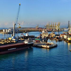 Italien: Hafenarbeiter weigern sich, Schiff mit Waffen für Israel zu beladen